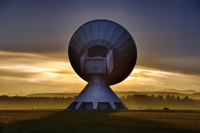 Large Radio Antenna with Dawn Sky in the Background image for EVM Training - Decision Making and Charlie Munger blog post